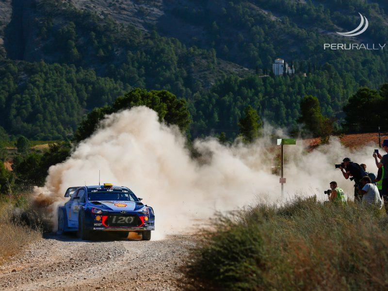 Rally Mundial WRC, Andreas Mikkelsen/Anders Jaeger (Hyundai i20 Coupe WRC), líderes del Rally de España